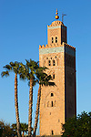 Morocco, Marrakech: Koutoubia Mosque minaret, built by Abd el Mumin in 1162 | Marokko, Marrakesch: Minarett der Koutoubia Moschee, erbaut 1162 von Abd el Mumin