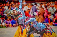 Asia, Buthan, Paro Dzong, Tshechu festival, young dancers
