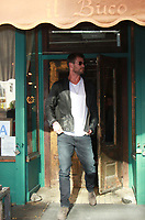 NEW YORK, NY - OCTOBER 30: Chris Hemsworth at Il Buco having lunch during while on promotion of his new movie Thor: Ragnarok in New York City on October 30, 2017. Credit: RW/MediaPunch /NortePhoto.com
