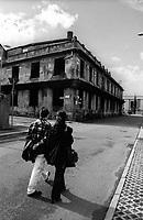 """Milano, quartiere bovisa, periferia nord. Vecchia fabbrica di saponi """"Sirio"""" in disuso (ora demolita) presso la stazione ferroviaria --- Milan, bovisa district, north periphery. Old disused (now demolished) soap factory """"Sirio"""" nearby the railway station"""