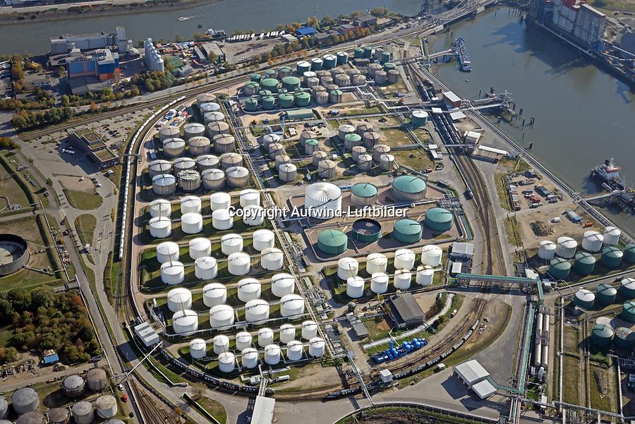 Tanklager EVOSim Hamburger Hafen: EUROPA, DEUTSCHLAND, HAMBURG, 13.10.2018: EVOS Terminal-Tanklage
