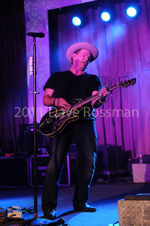 Jack Ingram performs at the Nature Conservancy's Nature Rocks  Gala at the Houston Polo Club Thursday Oct. 22,2015.(Dave Rossman photo)