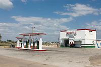 Cuba, Tankstelle in Playa  Giron, Provinz Mantanzas