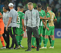 MEDELLÍN - COLOMBIA ,28-02-2019.Pablo Autuori director técnico  del Atlético Nacional expresa su decepción  al quedar eliminados de la Copa Conmebol Libertadores 2019 al perder con el equipo paraguayo Libertad en tiros desde el punto penalty durante partido por la Copa Conmebol Libertadores 2019 ,  tercera fase , llave 3,jugado en el estadio Atanasio Girardot de la ciudad de Medellín. / Pablo Autuori coach of Atlético Nacional express their sadness by being eliminated from the Copa Conmebol Libertadores 2019 after losing with the Paraguayan team Libertad in shots from the penalty spot during match for the Copa Conmebol Libertadores 2019, third phase, key 3, played at the Atanasio Girardot stadium in the city of Medellin. Photo: VizzorImage / León Monsalve / Contribuidor.