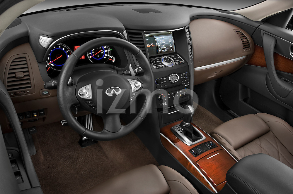 High angle dashboard view of a 2009 Infiniti FX50