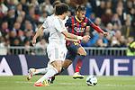 Real Madrid´s Pepe (L) and Barcelona´s Neymar Jr during La Liga match in Santiago Bernabeu stadium in Madrid, Spain. March 23, 2014. (ALTERPHOTOS/Victor Blanco)