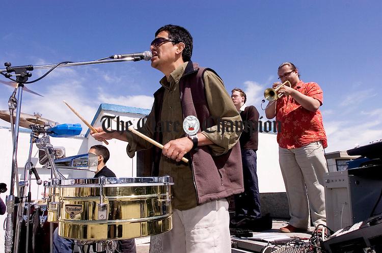 Latino House soak up the sunshine during the Doonbeg Jazz Festival.Pic Arthur Ellis.