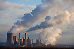 Europa, DEU, Deutschland, Nordrhein Westfalen, NRW, Rheinland, Niederrhein, Niederaußem, Kraftwerk, Braunkohlekraftwerk, Rauch, Kategorien und Themen, Umwelt, Umweltschutz, Umweltverschmutzung, Umweltprobleme, Umweltbelastung, Umweltzerstoerung, Umweltsuender, Umweltverbrechen, Umweltthema, Umweltthemen, Industrie, Industriefotografie, Wirtschaft, Wirtschaftsthemen, Technik, Technologie, Technologien....[Fuer die Nutzung gelten die jeweils gueltigen Allgemeinen Liefer-und Geschaeftsbedingungen. Nutzung nur gegen Verwendungsmeldung und Nachweis. Download der AGB unter http://www.image-box.com oder werden auf Anfrage zugesendet. Freigabe ist vorher erforderlich. Jede Nutzung des Fotos ist honorarpflichtig gemaess derzeit gueltiger MFM Liste - Kontakt, Uwe Schmid-Fotografie, Duisburg, Tel. (+49).2065.677997, ..archiv@image-box.com, www.image-box.com]