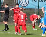 Jubel beim KSV Hessen Kassel nach dem Sieg beim Spiel in der Regionalliga Suedwest, FC Astoria Walldorf - KSV Hessen Kassel.<br /> <br /> Foto © PIX-Sportfotos *** Foto ist honorarpflichtig! *** Auf Anfrage in hoeherer Qualitaet/Aufloesung. Belegexemplar erbeten. Veroeffentlichung ausschliesslich fuer journalistisch-publizistische Zwecke. For editorial use only. DFL regulations prohibit any use of photographs as image sequences and/or quasi-video. beim Spiel in der Regionalliga, FC Astoria Walldorf - KSV Hessen Kassel.<br /> <br /> Foto © PIX-Sportfotos *** Foto ist honorarpflichtig! *** Auf Anfrage in hoeherer Qualitaet/Aufloesung. Belegexemplar erbeten. Veroeffentlichung ausschliesslich fuer journalistisch-publizistische Zwecke. For editorial use only. DFL regulations prohibit any use of photographs as image sequences and/or quasi-video.