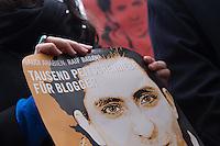 Mitglieder der Menschenrechtsorganisation Amnesty International, Mitglieder der Partei Buendnis 90/Die Gruenen und der Journalistenorganisation Reporter ohne Grenzen fordert am Donnerstag den 22. Januar 2015 vor der Saudiarabischen Botschaft Freiheit fuer den Blogger Raif Badawi. Der Blogger war von einem saudischen Gericht zu 1.000 Stockschlaegen verurteilt worden, weil er angeblich religioese Gefuehle verletzt haben soll.<br /> 50 Stockschlaege hatte Badawi bereits erhalten, worauf nach einer aerztlichen Untersuchung festgestellt wurde, dass er auf Grund seiner Verletzungen bis Freitag 23. Januar keine weiteren Stockschlaege mehr bekommen koenne. Weitere 50 Stockschlaege die für den 23. Januar angesetzt waren, wurden am 22. Januar wieder aus medizinischen Gruenden verschoben.<br /> Gegen die Entscheidung des Gerichts haben weltweit Menschen protestiert, so auch am Donnerstag den 22. Januar 2015.<br /> 25.1.2015, Berlin<br /> Copyright: Christian-Ditsch.de<br /> [Inhaltsveraendernde Manipulation des Fotos nur nach ausdruecklicher Genehmigung des Fotografen. Vereinbarungen ueber Abtretung von Persoenlichkeitsrechten/Model Release der abgebildeten Person/Personen liegen nicht vor. NO MODEL RELEASE! Nur fuer Redaktionelle Zwecke. Don't publish without copyright Christian-Ditsch.de, Veroeffentlichung nur mit Fotografennennung, sowie gegen Honorar, MwSt. und Beleg. Konto: I N G - D i B a, IBAN DE58500105175400192269, BIC INGDDEFFXXX, Kontakt: post@christian-ditsch.de<br /> Bei der Bearbeitung der Dateiinformationen darf die Urheberkennzeichnung in den EXIF- und  IPTC-Daten nicht entfernt werden, diese sind in digitalen Medien nach §95c UrhG rechtlich geschuetzt. Der Urhebervermerk wird gemaess §13 UrhG verlangt.]