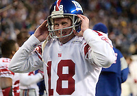 27 Nov 2005:   New York Giants punter Jeff Feagles gets ready to punt during the first quarter against the Seattle Seahawks at quest field in Seattle, WA.