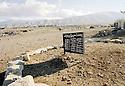 Irak 2000  Cimetiere de Halabja.    Iraq 2000  Graveyard in Halabja