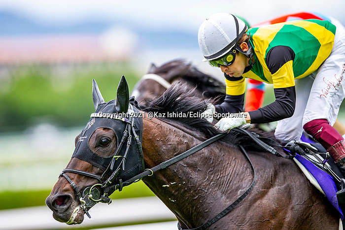 TAKARAZUKA,JAPAN-MAY 2: World Premiere,ridden by Yuichi Fukunaga,wins the Tenno Sho (spring) at Hanshin Racecourse on May 2,2021 in Takarazuka,Hyogo,Japan. Kaz Ishida/Eclipse Sportswire/CSM