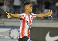 BARRANQUILLA - COLOMBIA - 28-09-2016: German Gutierrez jugador de Atletico Junior de Colombia celebra la victoria sobre Montevideo Wanderers Fútbol Club de Uruguay, durante partido de vuelta entre Atletico Junior de Colombia y Montevideo Wanderers Fútbol Club de Uruguay, por los octavos de final llave F de la Copa Suramericana en el estadio Metropolitano Roberto Melendez de la ciudad de Baranquilla.  / German Gutierrez player of Atletico Junior of Colombia celebrates the victory against Montevideo Wanderers Futbol Club of Uruguay, during a match between Atletico Junior of Colombia and Montevideo Wanderers Futbol Club of Uruguay,  for the second leg of the knockout key F of the South American Cup at the Metropolitano Roberto Melendez stadium in the city of Barranquilla. Photo: VizzorImage / Alfonso Cervantes / Cont.