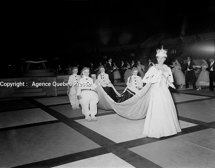 Carnaval de Quebec, <br /> <br /> 6 fev 1956<br /> <br /> PHOTO : Agence Quebec Presse