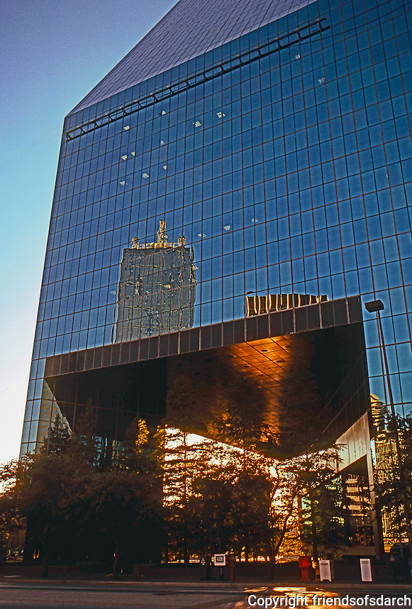 Dallas:  First Interstate Bank Entrance.
