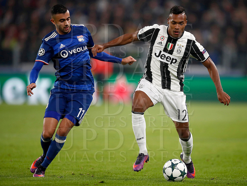 Calcio, Champions League: Gruppo H, Juventus vs Lione. Torino, Juventus Stadium, 2 novembre 2016. <br /> Juventus' Alex Sandro, right, is challenged by Lyon's Rachid Ghezzal during the Champions League Group H football match between Juventus and Lyon at Turin's Juventus Stadium, 2 November 2016. The game ended 1-1.<br /> UPDATE IMAGES PRESS/Isabella Bonotto