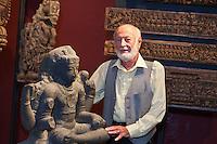 Europe/France/Aquitaine/64/Pyrénées-Atlantiques/Pays-Basque/Biarritz: Michel Postel, créateur et directeur du Musée Asiatica - Musée d'Art Asiatique