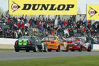 Round 1 of the 2005 British Touring Car Championship. Race action.