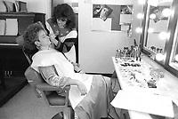 Claire Lamarche, animatrice de Droit de Parole a Radio Quebec, nov 1987<br /> <br /> Photo : Pierre Roussel - AQP