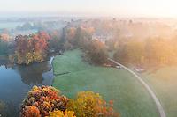 France, Allier (03), Villeneuve-sur-Allier, Arboretum de Balaine en automne et à l'aube (vue aérienne)