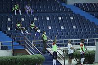 BARRANQUIILLA - COLOMBIA, 24-10-2020: Atlético Junior y Millonarios en partido por la fecha 16 de la Liga BetPlay DIMAYOR I 2020 jugado en el estadio Metropolitano Roberto Meléndez de la ciudad de Barranquilla. / Atletico Junior and Millonarios in match for the date 16 as part of BetPlay DIMAYOR League I 2020 played at Metropolitano Roberto Melendez stadium in Barranquilla city.  Photo: VizzorImage / Jesus Ricoi / Cont