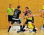 Deutschland - Sport<br /> Handball - Aufstiegsrunde zur 2. Bundesliga<br /> TuS Dansenberg (dan) - HSG Krefeld Niederrhein (kref) 24:21<br /> Fabian SERWINSKI (TuS Dansenberg), li.und Robin EGELHOF (TuS Dansenberg), hinten, #Lars JAGIENIAK (kref)<br /> <br /> Foto © PIX-Sportfotos *** Foto ist honorarpflichtig! *** Auf Anfrage in hoeherer Qualitaet/Aufloesung. Belegexemplar erbeten. Veroeffentlichung ausschliesslich fuer journalistisch-publizistische Zwecke. For editorial use only.