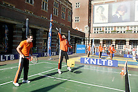 21-9-06,Leiden, Tennis,  Daviscup,Streettennis with the Dutch Team
