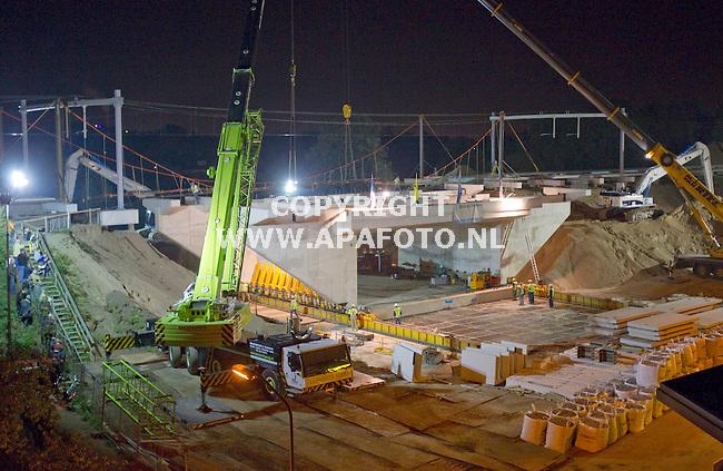 Westervoort, 240911<br /> Inschuiven tunnel station. <br /> Foto: Sjef Prins - APA Foto
