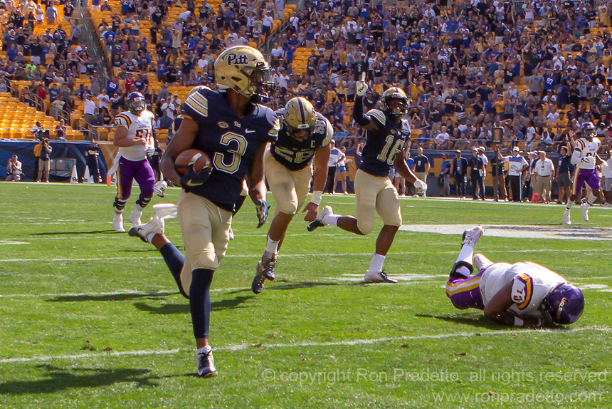 Pitt defensive back Damar Hamlin (3) returns an interception. The Pitt Panthers football team defeated the Albany Great Danes 33-7 on September 01, 2018 at Heinz Field, Pittsburgh, Pennsylvania.