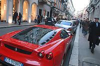 - shopping nel centro di Milano, corso Vittorio Emanuele e via Montenapoleone....- shopping in the center of Milan, Vittorio Emanuele and  Montenapoleone street