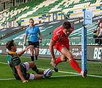 29th September 2020; Franklin Gardens, Northampton, East Midlands, England; Premiership Rugby Union, Northampton Saints versus Sale Sharks; Luke James of Sale Sharks scores an early try to put Sale ahead 0-5
