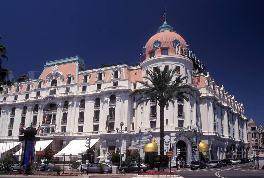 hotel, France, Nice, Cote d' Azur, Provence, Alpes-Maritimes, Europe, Hotel Negresco along the Promenade des Anglais in the city of Nice.