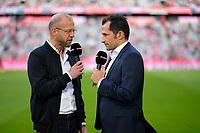 14.04.2018, Football 1. Bundesliga 2017/2018, 30.  match day, FC Bayern Muenchen - Borussia Moenchengladbach, in Allianz-Arena Muenchen. re: sport director  Hasan Salihamidzic (Bayern Muenchen)  SKY-Sport Interview and Patrick Wasserziehr (li)Spielfeldrand. *** Local Caption *** © pixathlon<br /> <br /> Contact: +49-40-22 63 02 60 , info@pixathlon.de