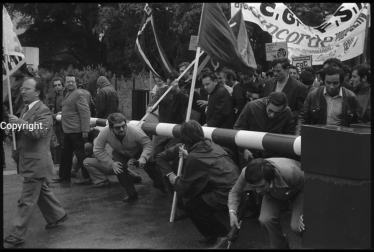 24 Septembre 1974. Vue des manifestants de la CGT de l'aérospatiale. Toulouse