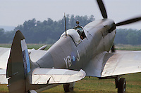 - Royal Air Force, Spitfire fighter aircraft of second World War fully restored by Italian aviation enthusiastic Franco Actis in 1984 ....- Royal Air Force, aereo da caccia Spitfire della seconda Guerra Mondiale completamente restaurato dall'appassionato di aviazione italiano Franco Actis nel 1984