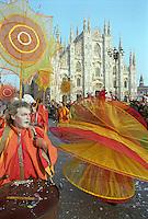 Milano, carnevale. La compagnia teatrale Artristras --- Milan, carnival. Artristras theatre company