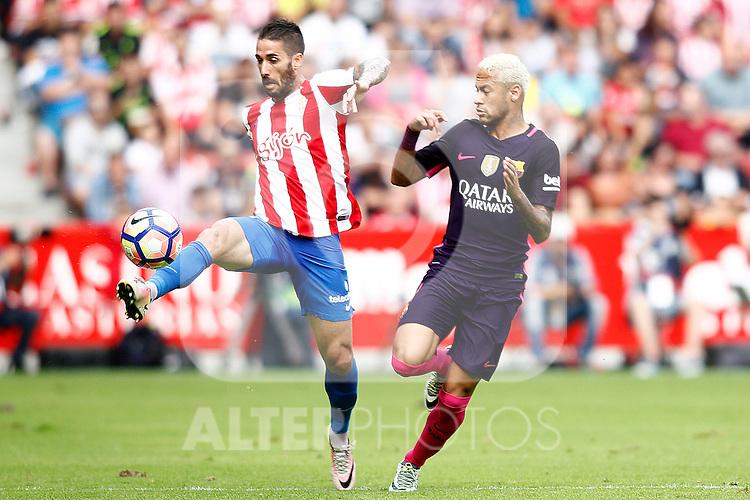 Sporting de Gijon's Lillo (l) and FC Barcelona's Neymar Santos Jr during La Liga match. September 24,2016. (ALTERPHOTOS/Acero)