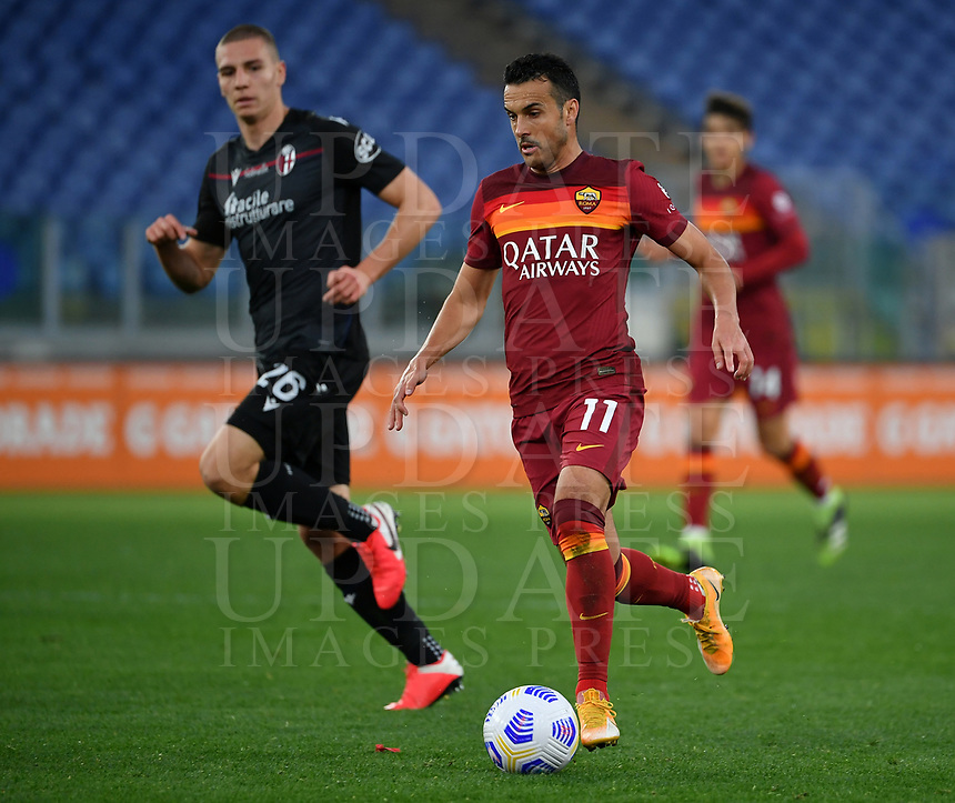 Football, Serie A: AS Roma - Bologna, Olympic stadium, Rome, April 11, 2021. <br /> Roma's Pedro Rodriguez (r) in action with Bologna Valentin Antov (r) during the Italian Serie A football match between AS Roma and Bologna at Rome's Olympic stadium, Rome, on April 11, 2021.  <br /> UPDATE IMAGES PRESS/Isabella Bonotto