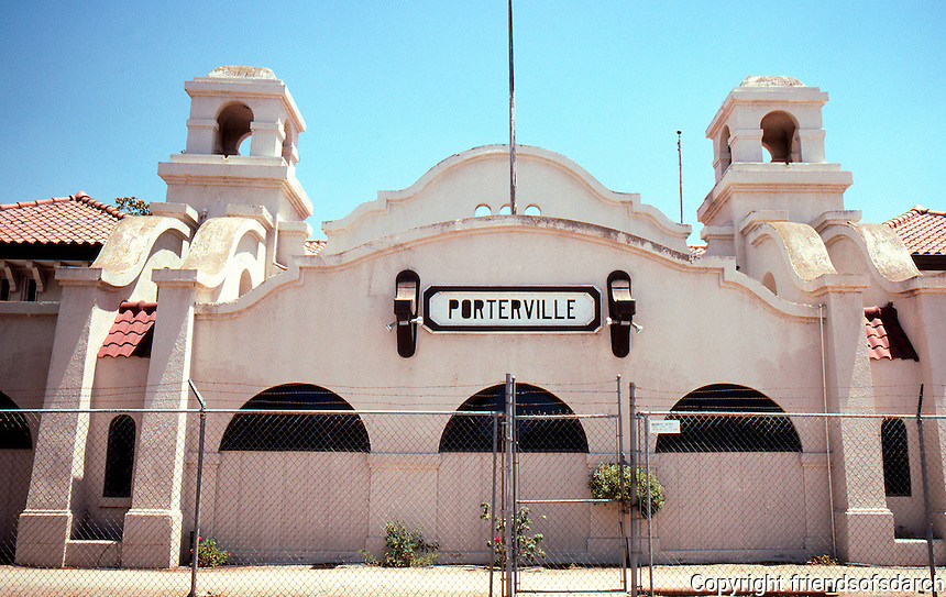 Mission RR Stations: Southern Pacific  RR Depot, Porterville, 1913--elevation. Photo 2000.