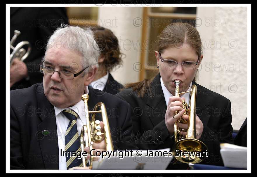 07/04/2009  Copyright Pic: James Stewart.File Name : 20_hippodrome_opening.KINEIL BAND PREPARE TO PLAY AT THE FIRST NIGHT OFFICIAL RE-OPENING OF THE HIPPODROME IN BO'NESS.....James Stewart Photography 19 Carronlea Drive, Falkirk. FK2 8DN      Vat Reg No. 607 6932 25.Telephone      : +44 (0)1324 570291 .Mobile              : +44 (0)7721 416997.E-mail  :  jim@jspa.co.uk.If you require further information then contact Jim Stewart on any of the numbers above.........