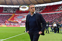 Rangnick verlaesst RB Leipzig und wird Fussball-Chef bei Red Bull. Archivfoto; Ralf RANGNICK (Trainer L), Einzelbild,angeschnittenes Einzelmotiv,Halbfigur,halbe Figur, Hi:Bayern Fanblock mit Riesen Bayern Vereinswappen,Emblem. Fussball,Saison 2018/19, DFB Pokal Finale RB Leipzig (L) - FC Bayern Muenchen (M) 0-3, im Olympiastadion in Berlin am 25.05.2019. Â *** Rangnick leaves RB Leipzig and becomes soccer boss at Red Bull Archivfoto Ralf RANGNICK Trainer L , single picture, cut single motive, half figure, half figure, Hi Bayern fan block with giant Bayern club coat of arms, emblem soccer, season 2018 19, DFB cup final RB Leipzig L FC Bayern Munich M 0 3, in the olympia stadium in Berlin on 25 05 2019 Â