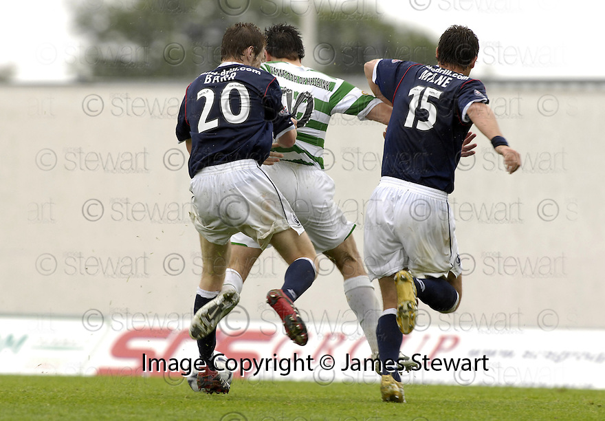 11/08/2007       Copyright Pic: James Stewart.File Name : sct_jspa19_falkirk_v_celtic.FALKIRK'S DARREN BARR PULLS BACK JAN VENEGOOR OF HESSELINK AS HE HEADS TOWARDS GOAL.... REFEREE DOUGIE MCDONALD SENT OFF KENNY  MILNE FOR BEING THE LAST MAN...James Stewart Photo Agency 19 Carronlea Drive, Falkirk. FK2 8DN      Vat Reg No. 607 6932 25.Office     : +44 (0)1324 570906     .Mobile   : +44 (0)7721 416997.Fax         : +44 (0)1324 570906.E-mail  :  jim@jspa.co.uk.If you require further information then contact Jim Stewart on any of the numbers above........
