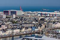 Europe/France/Normandie/Basse-Normandie/50/Manche/Cherbourg: vue sur la ville et le port depuis le Fort du Roule  - L'Arsenal  et le Fort de l'Ouest  et la DCNS // Europe/France/Normandie/Basse-Normandie/50/Manche/Cherbourg: elevated Cherbourg city view from the Fort du Roule