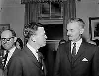 1965 11 14  POL - LAMONTAGNE Gilles elu maire de Québec