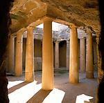 ZYPERN, Sued-Zypern, bei Paphos: Die Koenigsgraeber von Nea Paphos | CYPRUS, South-Cyprus, near Paphos: Tomb of the Kings