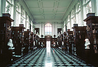Sir Christopher Wren: Wren Library, Trinity College, Cambridge. Interior. Photo '82.