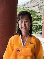 Frau in koreanischer Tracht in den Myohyang-Bergen, Nordkorea, Asien<br /> Woman in Korean Costume in Myoohyang-Mountains, North Korea, Asia