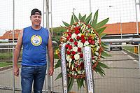 Campinas (SP), 28/11/2019 - Gugu-SP - Fa aguarda a chegada no corpo do apresentador Augusto Liberato (Gugu) no aeroporto de Viracopos em Campinas, interior de Sao Paulo, na manha desta quinta-feira (28). (Foto: Luciano Claudino/Codigo 19/Codigo 19)