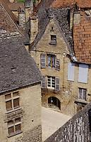 Europe/France/Aquitaine/24/Dordogne/Vallée de la Dordogne/Périgord/Périgord Noir/Sarlat-la-Canéda: Les toits des vieux hôtels d'architecture Renaissance